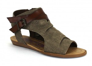 Brown sandal with fabric